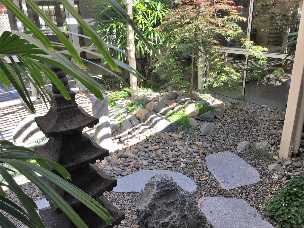 japanese rock garden themed gardens green envy designer landscapes 29794
